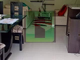 Una habitación que tiene un escritorio con un ordenador en él en PLAZA NAVARRA