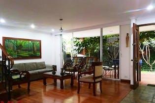 Montiel 1, Casa en venta en Loma De Benedictinos de 3 hab.