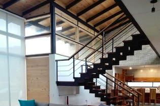 Casa En La Calera - amplia terraza y balcón con vista a zona verde