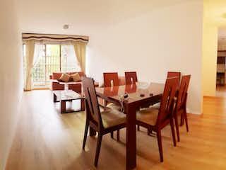 Una sala de estar llena de muebles y una ventana en Apartamento En Venta En Ciudad Salitre Oriental de 96m2