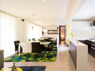 Una cocina con una mesa y sillas en ella en Terraverde