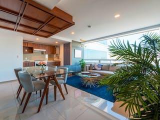 Una sala de estar llena de muebles y una planta en maceta en Periférico 180
