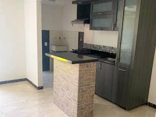 Una cocina con lavabo y microondas en Apartamento en venta en Casco Urbano Copacabana, de 51mtrs2