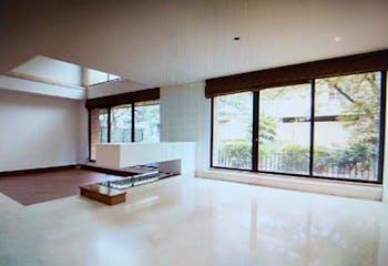 Casa en venta en Chicó Reservado de 4 habitaciones