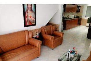 Casa en venta en Guayabal de 4 hab.