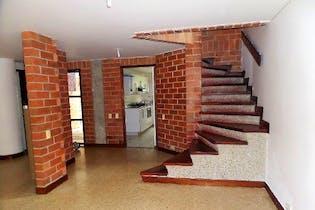 Casa en venta en Loma De Cumbres de 4 habitaciones