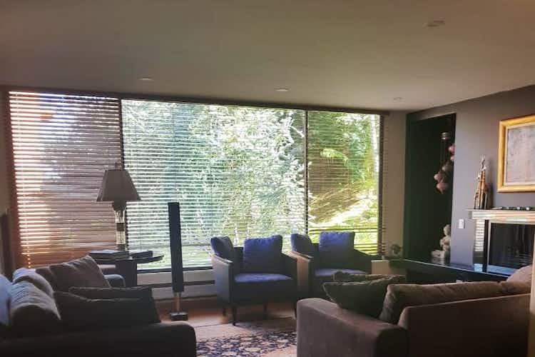 Portada Apartamento en Bogota, Santa Barbara Alta - cuatro alcobas, terraza, sala con chimenea