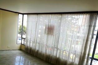 Apartamento en venta en Caobos Salazar de 4 habitaciones