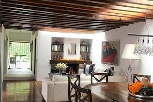Casa en venta en Barrio Santa Catarina de 3 hab. con Jardín...