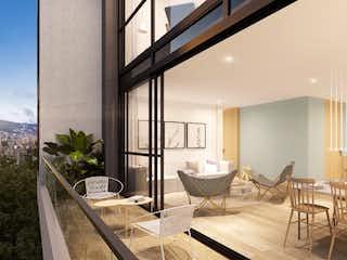 Una sala de estar llena de muebles y una mesa en MOOD
