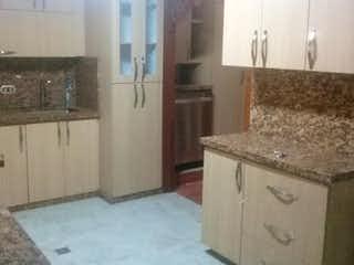 Una cocina con un fregadero y una estufa en ella en Casa en venta en La Pilarica, de 285mtrs2