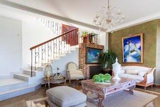 Casa en venta en La Calera, 550m²