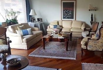Apartamento en Bogota Rosales - dos alcobas c/u con baño y vestier