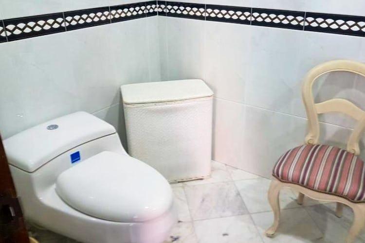 Foto 19 de Apartamento en Bogota Rosales - dos alcobas c/u con baño y vestier
