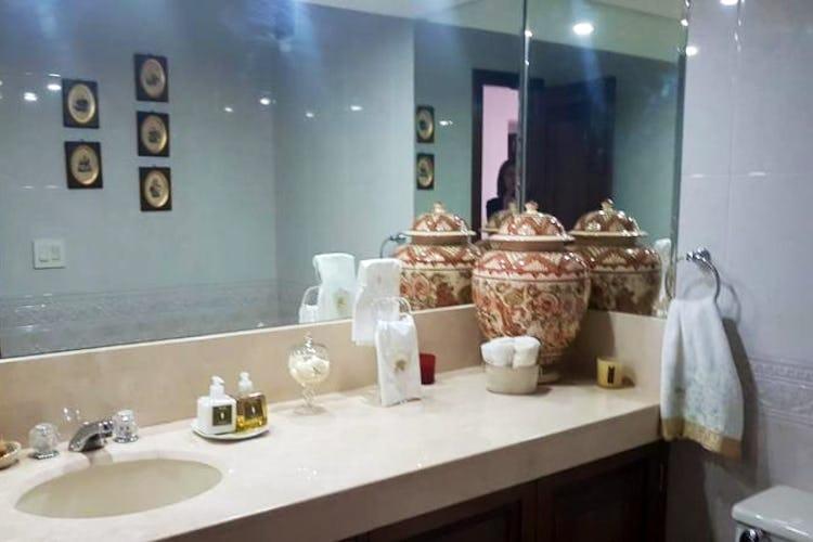 Foto 22 de Apartamento en Bogota Rosales - dos alcobas c/u con baño y vestier