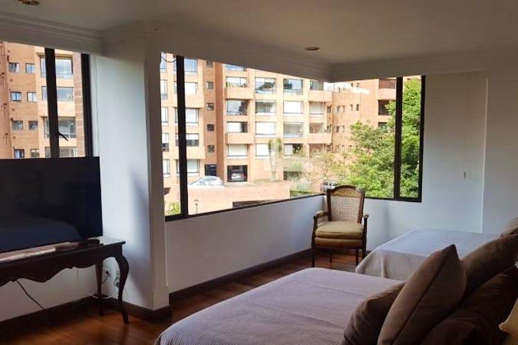 Foto 23 de Apartamento en Bogota Rosales - dos alcobas c/u con baño y vestier