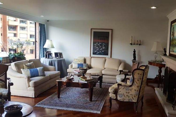 Foto 24 de Apartamento en Bogota Rosales - dos alcobas c/u con baño y vestier