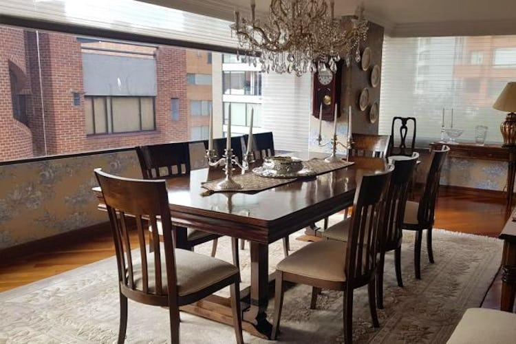 Foto 25 de Apartamento en Bogota Rosales - dos alcobas c/u con baño y vestier