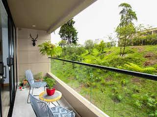 Una vista de una ciudad desde una ventana en Apartamento en Venta Vereda Los Alticos San Antonio De Pereira