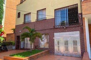 Casa en venta en Laureles de 450m²