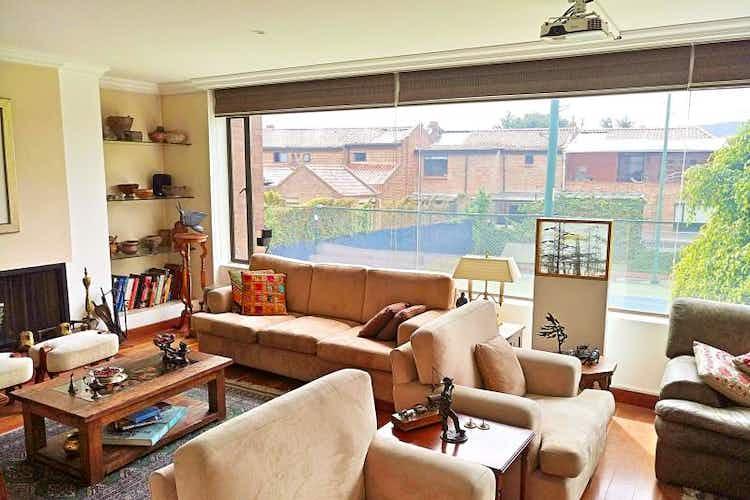 Portada Apartamento En Bogota Cerros De Suba, con tres alcobas.