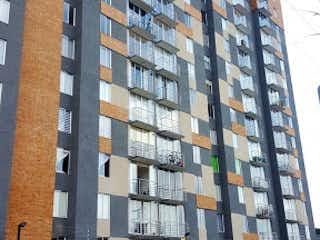 Un edificio alto sentado al lado de una calle en Apartamento en Venta VILLEMAR