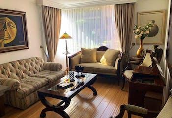 Apartamento en Bogota Santa Barbara Occidental - con sala con chimenea