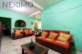 Casa en venta en Santa Martha Acatitla Sur de 5 habitaciones