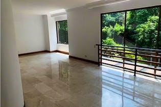 Casa en venta de 340 m2 en Envigado & Cumbres & intermedia