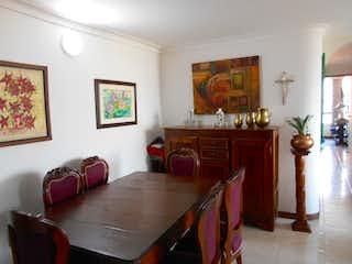Una sala de estar llena de muebles y una ventana en Apartamento en venta en Zúñiga 84mt con balcon