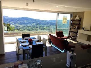 Una sala de estar llena de muebles y una ventana en Apartamento en venta en Los Salados, 112mt con balcon