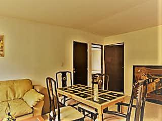 Una sala de estar llena de muebles y una televisión de pantalla plana en Venta de hermoso departamento en Irrigación¡¡¡ En Miguel Hidalgo,CDMX
