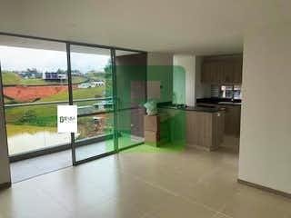 Una cocina con fregadero y nevera en Apartamento en venta en El Rosal, 71mt con balcon