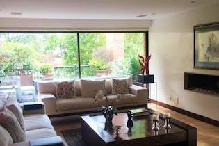 Apartamento En Venta En Bogota Santa Ana, cuenta con tres alcobas y terraza.