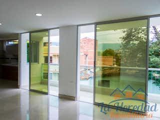 Una vista de una habitación con una puerta de cristal en Apartamento en venta en Belén Centro, de 115mtrs2