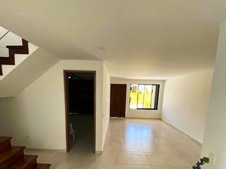 Una vista de una sala de estar y una sala de estar en Casa en venta en Arrayanes, 73mt de dos niveles