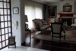 Casa En Bogota Santa Barbara Alta, cuenta con 3 alcobas.