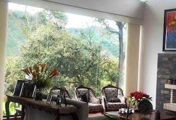 Casa en la Calera Km 4 Vía a La Calera, con huerta, árboles frutales y dos terrazas.