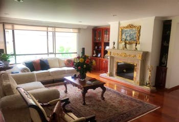 Apartamento en Bogota Santa Barbara - con tres alcobas c/u con baño