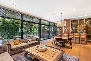 Casa en venta en Lomas De Reforma con Jardín...