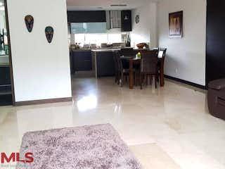 Una sala de estar llena de muebles y una televisión de pantalla plana en Prados de Zúñiga