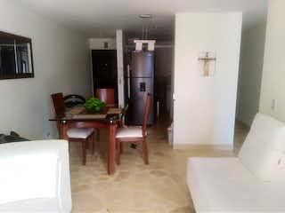 Una sala de estar llena de muebles y una chimenea en Apartamento en venta en Asdesillas, de 73mtrs2