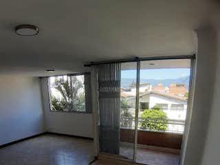 Una vista de una habitación con una puerta corredera de cristal en Apartamento en venta en Simón Bolívar, 90mt con balcon