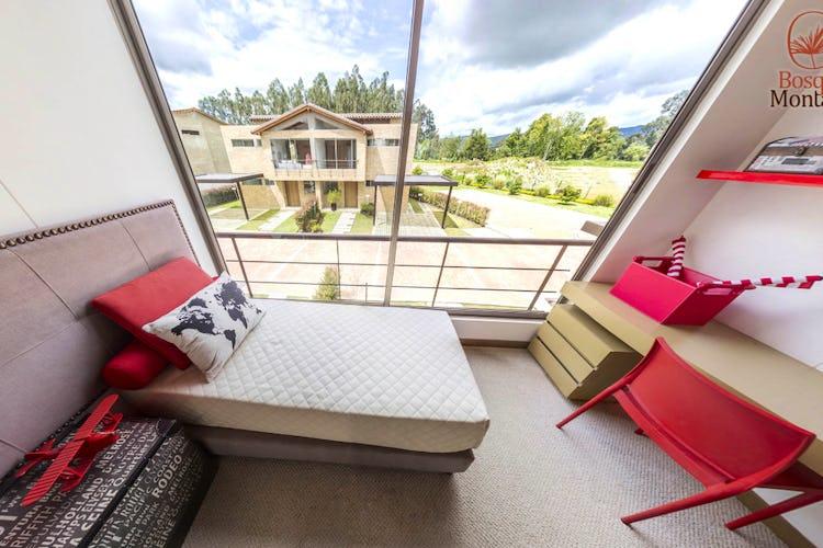 Foto 17 de Casas en cajica,Bosque de la Montaña cuenta con 2 niveles