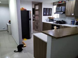Una cocina con nevera y fregadero en Apartamento en venta en La Abadía, de 133mtrs2