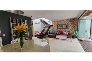 Casa en venta en Montessori de 4 hab.
