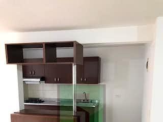 Una cocina con lavabo y microondas en Apartamento en venta en Niquía de 60m² con Zonas húmedas...