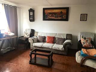 Una sala de estar llena de muebles y una ventana en Casa en venta en El Encanto, de 253,75mtrs2
