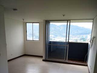 Una vista de una cocina con un gran ventanal en URB SIERRA MORENA