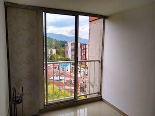 Una ventana que está abierta en un edificio en Apartamento en venta en La Milagrosa de tres alcobas